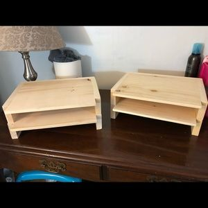 Interchangeable shelves or monitor stands